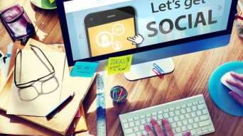 How to highlight your experience and skills on social media
